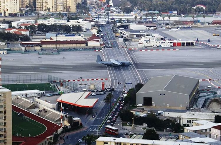 Gibraltar Airport is most dangerous airport of the world