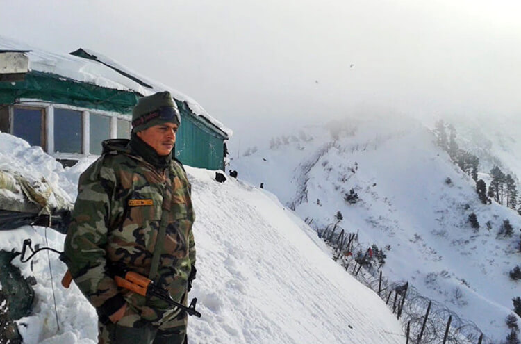 Indian soldier deployed in snow