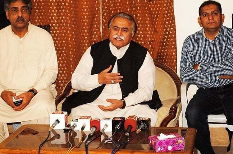 Senior PPP leader mola bakhsh Chandio also fell victim of Corona