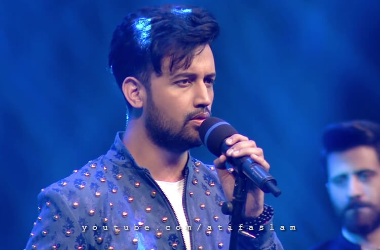 What did Atif Aslam's fan do with his car?