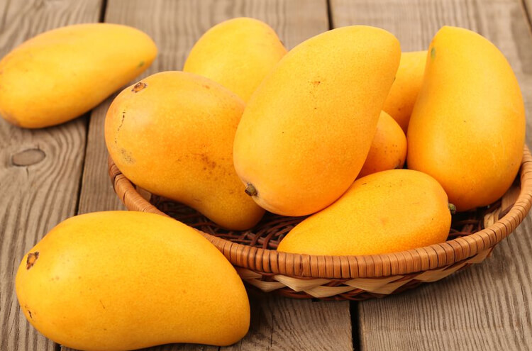If you want to escape corona then eat Pakistani mangoes